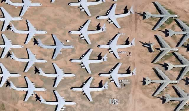 C-141 and B-52 aircraft at Davis-Monthan Air Force Base AMARG boneyard (Google Maps)