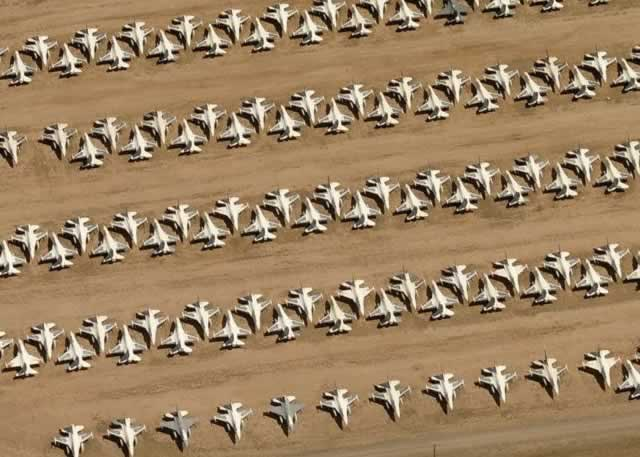 Aerial view of aircraft in storage at Davis-Monthan Air Force Base AMARG boneyard (Google Maps)