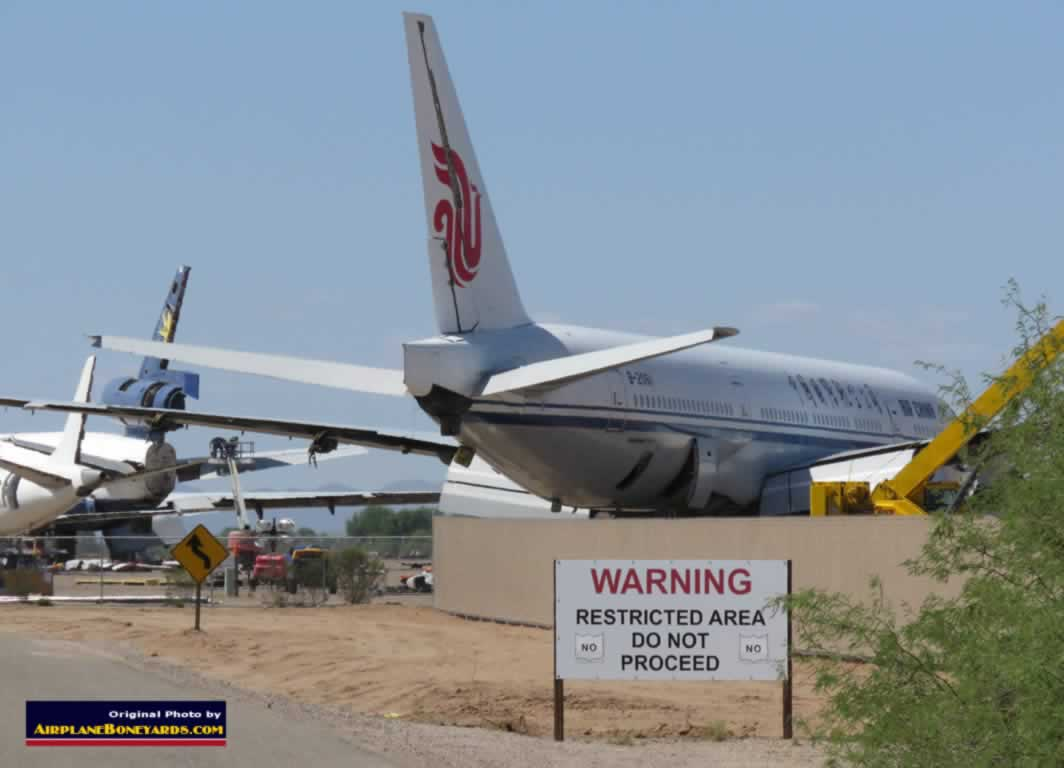 Where do airliners go to retire and die? An airplane boneyard ... shown here is the Pinal Airpark in Arizona